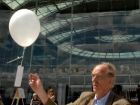 dr-ian-gibson-releasing-first-peace-balloon
