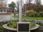wreath-at-peace-pillar